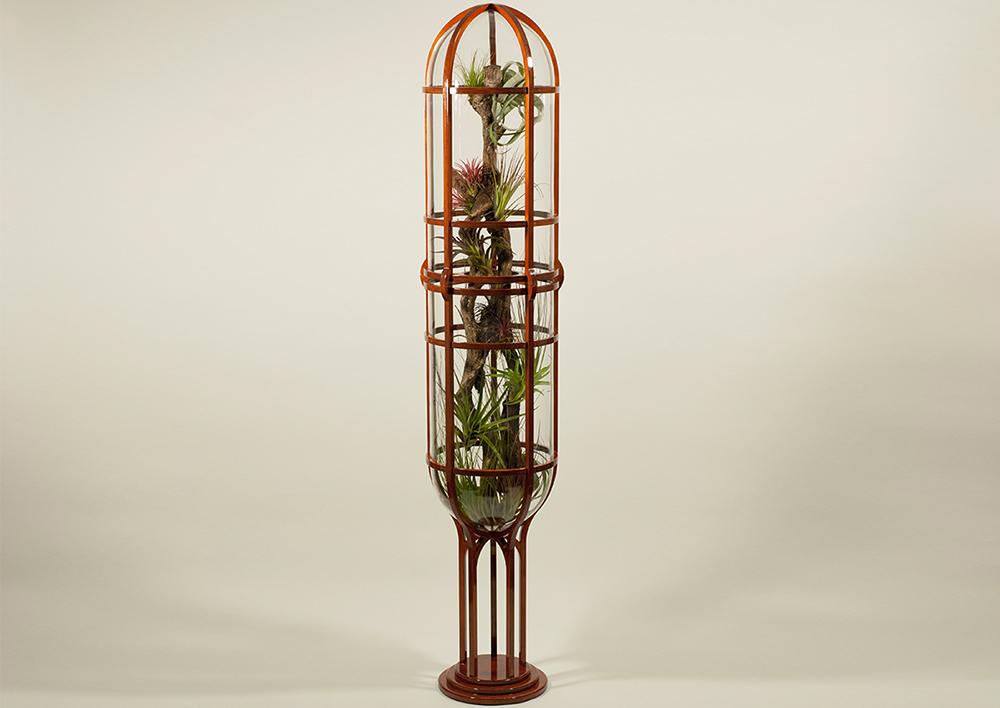 Vitrum, cylindrische vitrine. Thom de Koning, Designer, Amsterdam